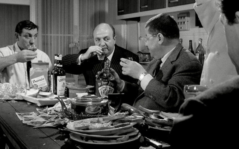 les tontons flingueurs la sc ne de la cuisine videmment monfilmculte. Black Bedroom Furniture Sets. Home Design Ideas